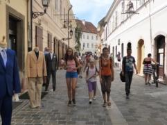 kódkeresés Győr utcáin