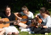 gitár és énekszó nélkül nincs  tábor
