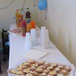 Farsangi finomságokkal megterített asztal